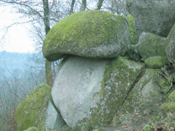 La pierre champignon